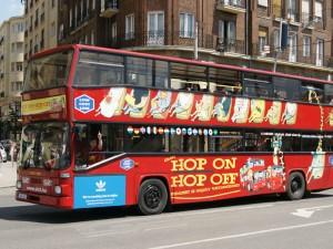 Giraffe Hop On Hop Off városnézés