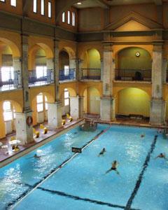 Rudas Bath